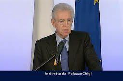 Il premier Mario Monti durante la conferenza stampa a Palazzo Chigi