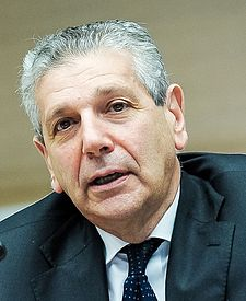 L'ex ministro alla difesa Giampaolo Di Paola